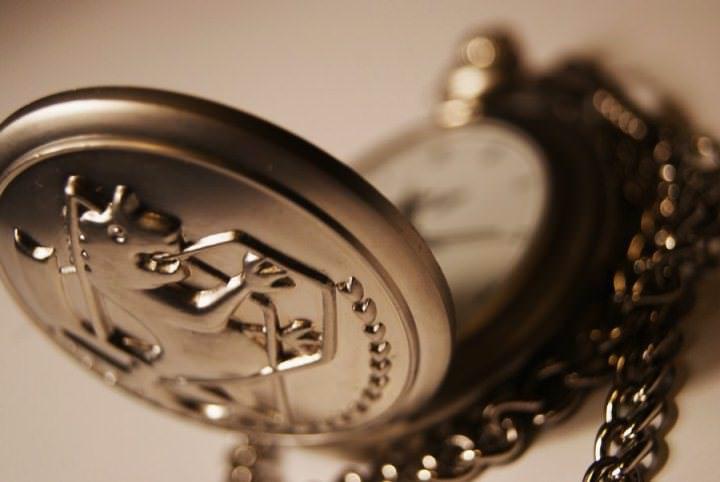 Можно ли дарить часы в подарок или не стоит?