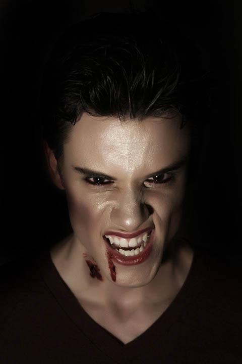 Грим укус вампира