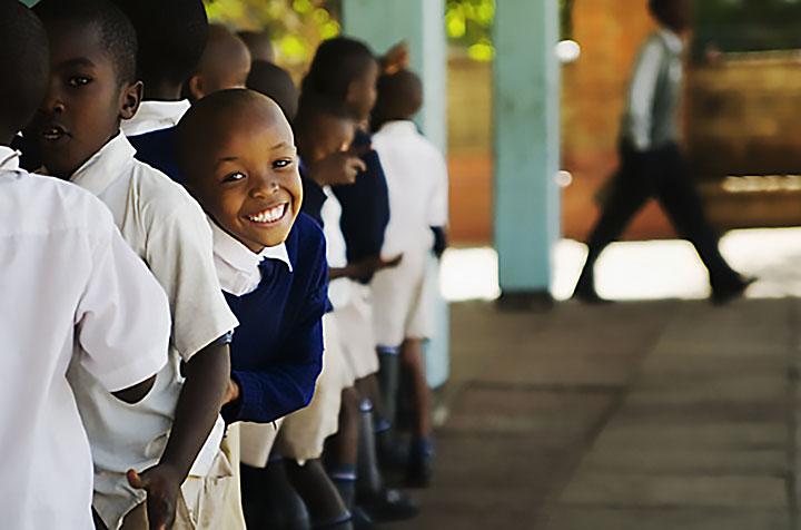 Изображение - Поздравление на 1 сентября от первого учителя первоклассникам Afrikanskiye-shkolniki
